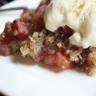 Amelie's Apple & Strawberry Crumble