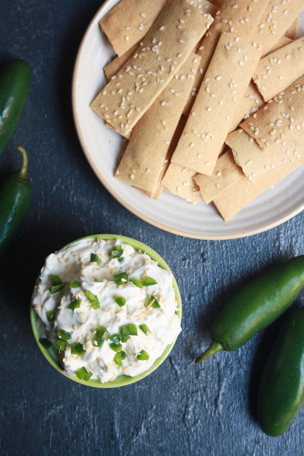 A creamy jalapeno dip made mostly with hung curd and fresh garlic!