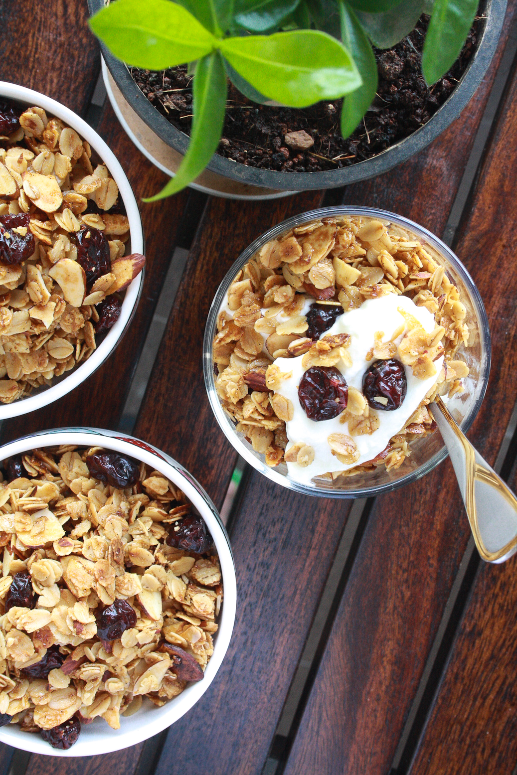 This super easy, flavour-packed, crunchy granola makes the best healthy snack!