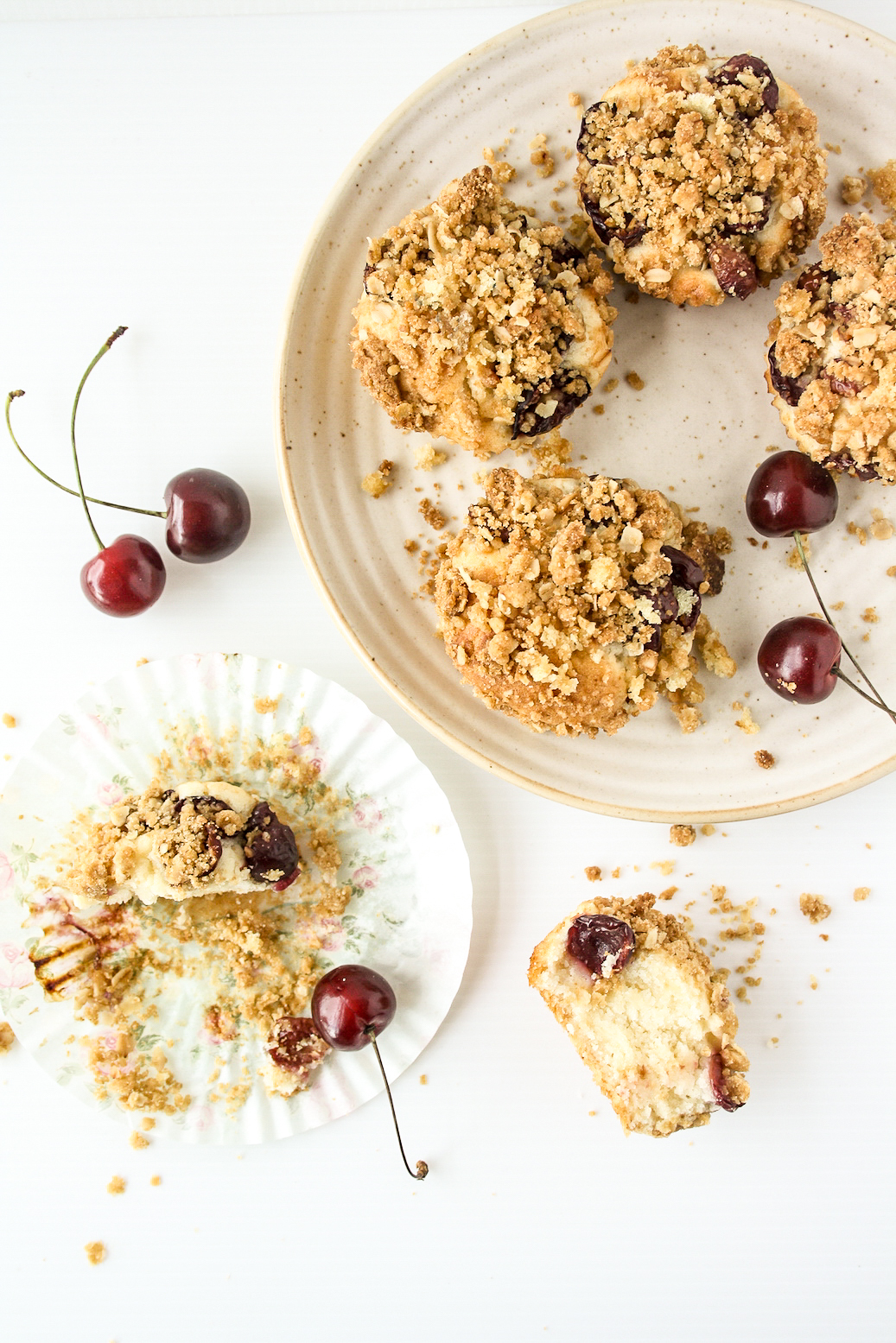 Simple, eggless, buttery cakes topped with fresh cherries and brown sugar streusel!
