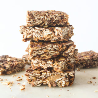 Chewy, crunchy, healthy granola bars made with almond butter and cocoa!