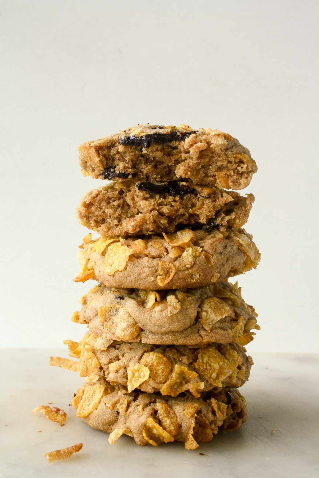 Buttery and chewy cookies with crunchy cornflakes and chocolate chunks!