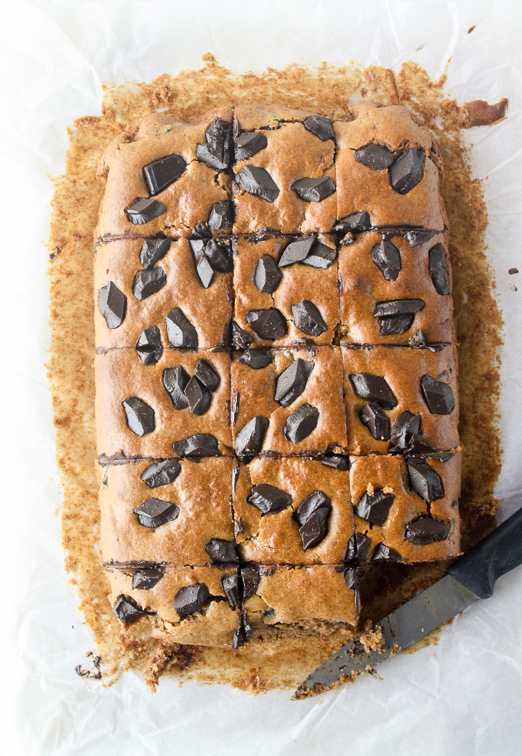 Moist, naturally sweetened almond butter blondies with chocolate chunks!