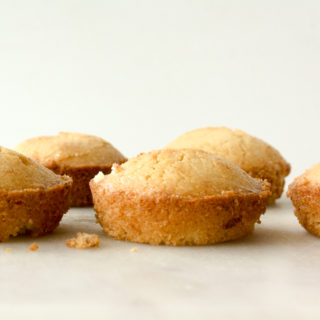 Moist, browned butter almond cakes!