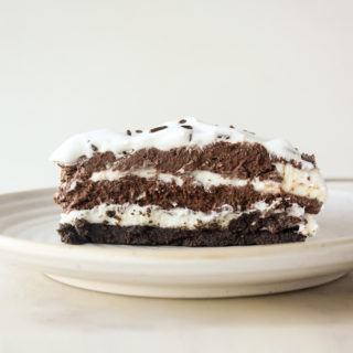 White and dark chocolate mousse cake without eggs or gelatin