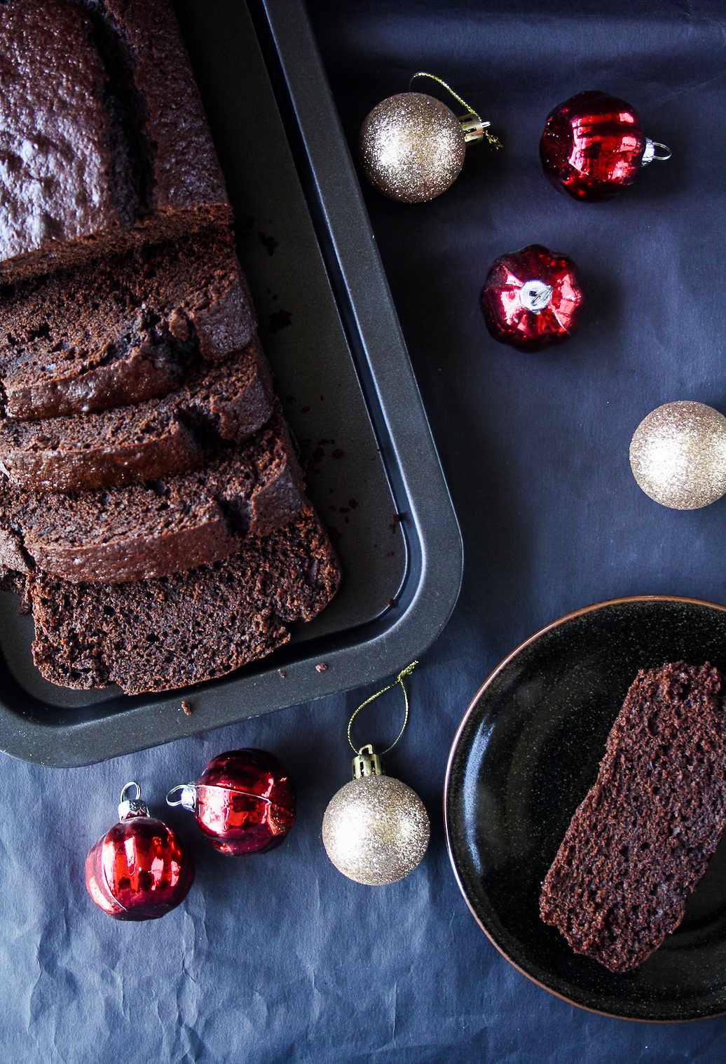 Moist chocolate cake with ginger, cinnamon and cloves