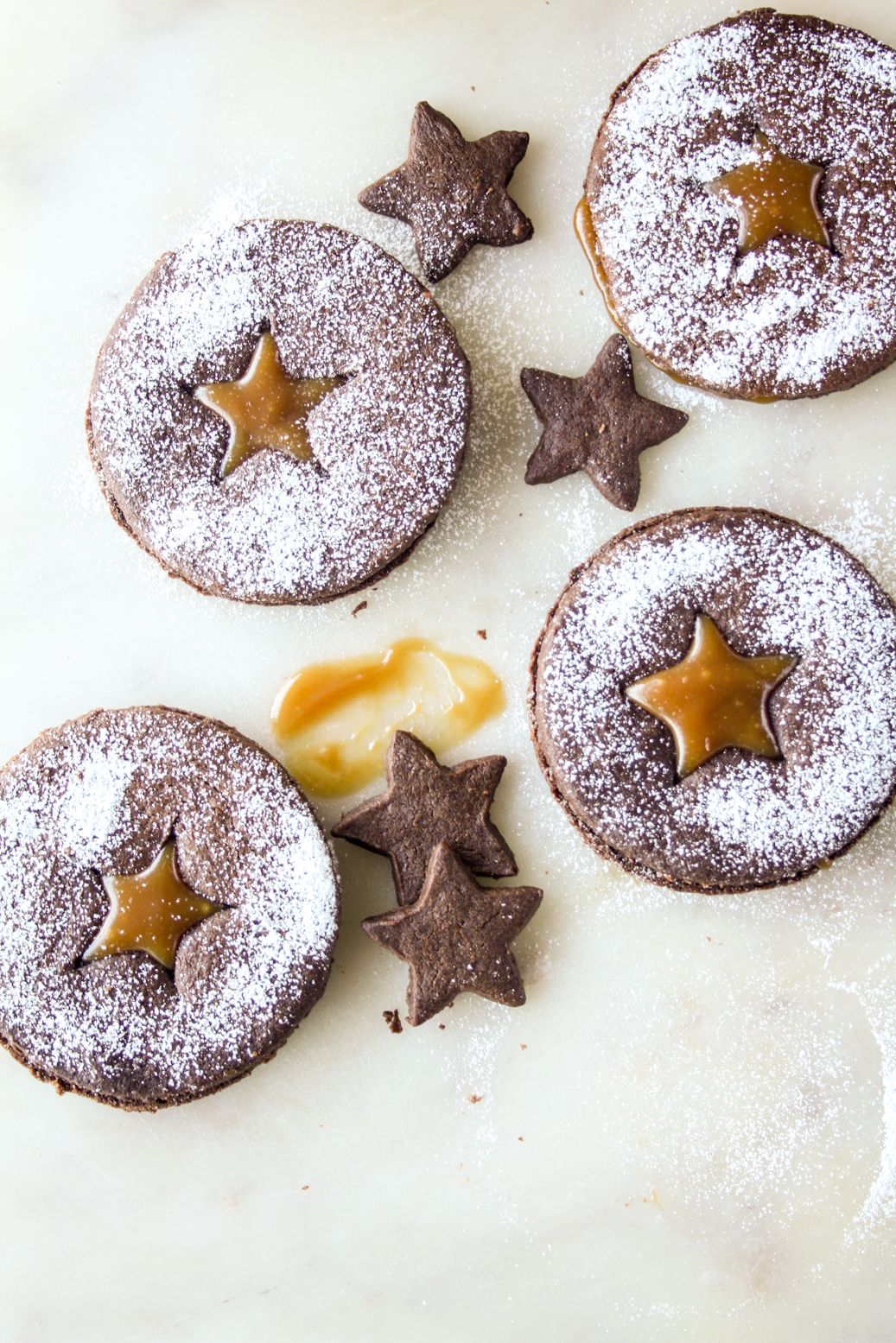 Crisp chocolate cookies with a salted caramel filling