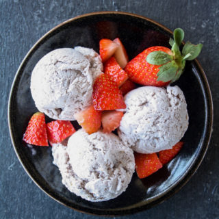 Fresh Strawberry Ice Cream (no-churn)