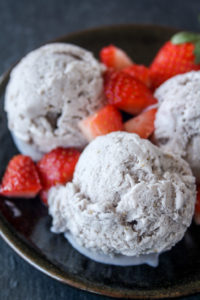 No churn strawberry ice cream with no artificial colour or flavour