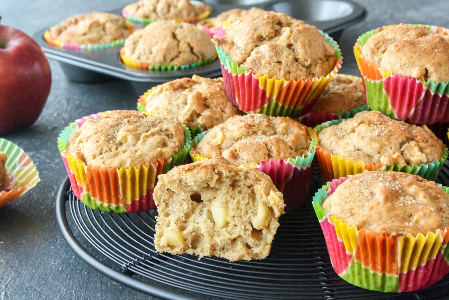Super soft muffins with fresh apples and cinnamon