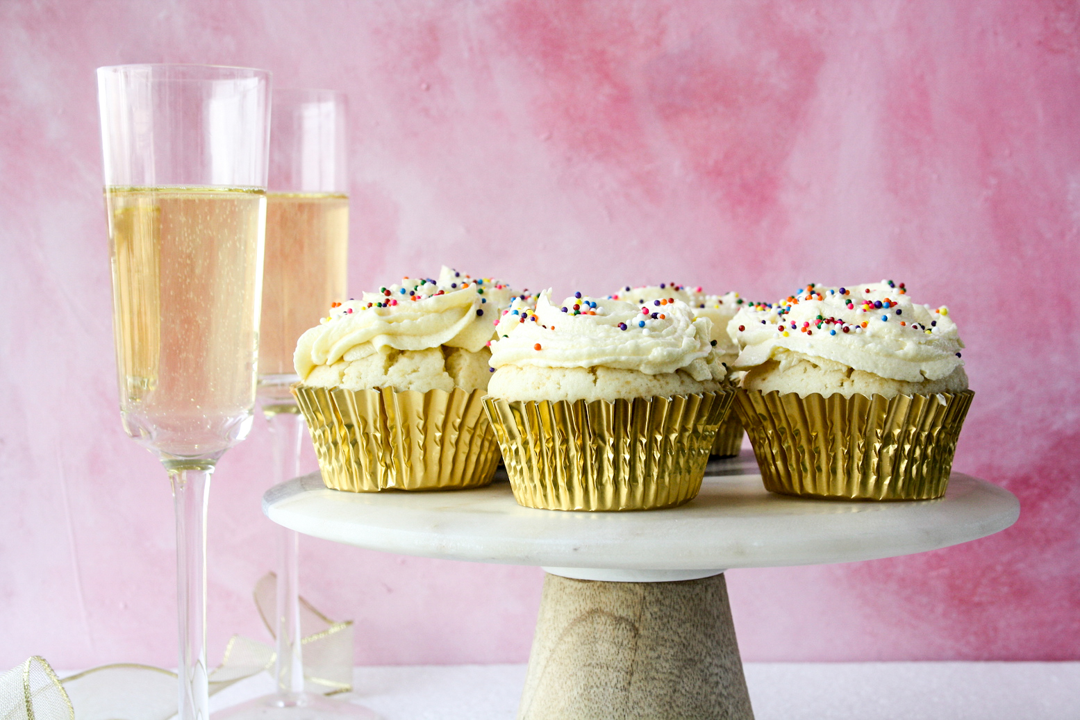 Soft and light champagne cupcakes with champagne frosting!